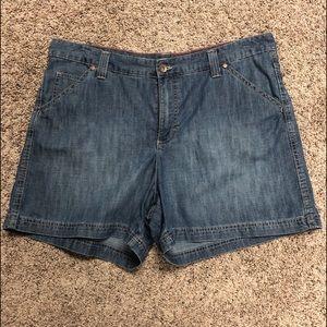 Lee Jean shorts 18M just below waist
